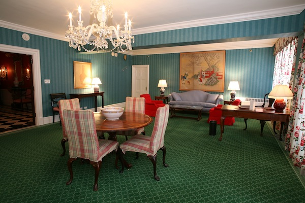Greenbrier Suite 3